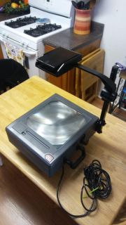 3M 4300 Lumen Overhead Projector With Carry Handle.