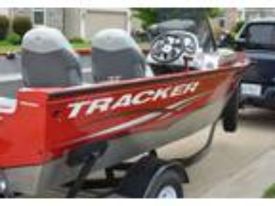 2013 Tracker Pro-Guide-V16-SC Power Boat in Huntley, IL