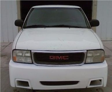 Purchase 00 01 02 03 04 GMC Sonoma Front Bumper Cover Body Kit 2000 2001 2002 2003 2004 motorcycle in Compton, California, United States, for US $150.00