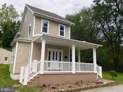 366 Market St HIGHSPIRE Three BR, Come visit this recently