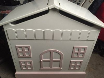 dollhouse toy storage box on wheels