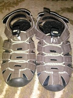 Gym Mark boys size 12 brown leather sandals. $5 Smoke free home.