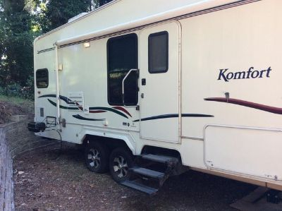 2002 Komfort 26FS Fifth Wheel