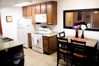 $590/mo - Nice single room available for DSU Student w/pool/jacuzzi (Saint George, UT)