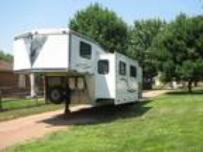 2003 Silverlite, Triple Crown, Living Quarters Horse Trailer