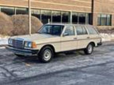 1980 Mercedes-Benz 300TD Wagon