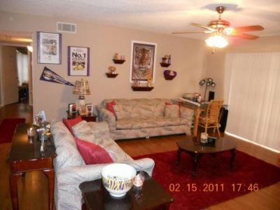 2 BR, 2BA LSU Condo for Sale-On Bus Route (Baton Rouge)