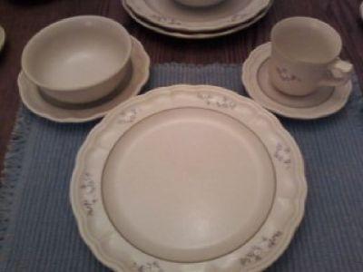 Pfaltzgraff Heirloom Dinnerware