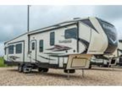 2019 Heartland RV Focus 360MB Bunk Model RV W/Sofa Recliner & 2 A/Cs