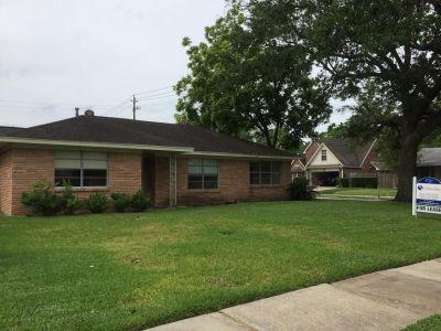 304 Hubert Street Webster Texas 77598