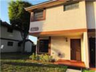 Well maintain corner townhouse in the beautiful and secure MILLER DREAMS