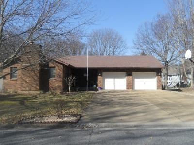 3 Bed Preforeclosure Property in Columbia, IL 62236 - Oak Tree Dr