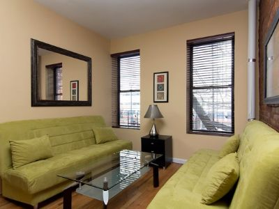 NO FEE Renovated 1 bed with private backyard