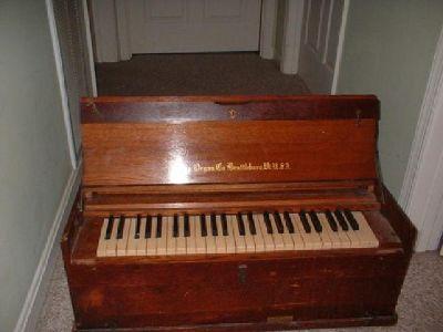$500 Pump Organ