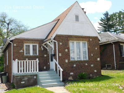 2BD/1BA House in Cool Valley
