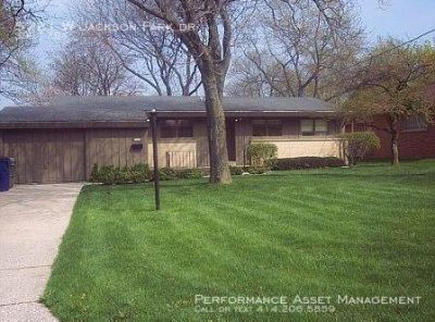 Incredible 3BR Milwaukee Ranch-style Single Family