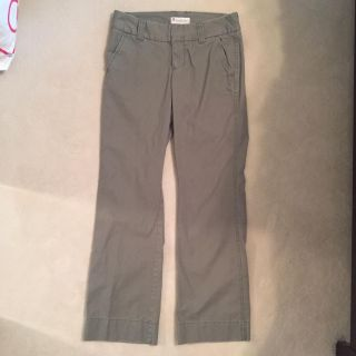 Gap olive color favorite chino pant size 4