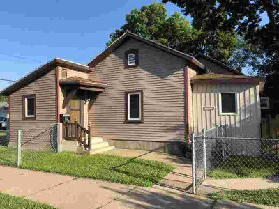 912 ST Andrew ST La Crosse One BR, Hard to find home with