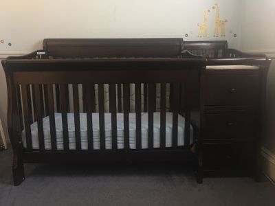 Sorelle Princeton Elite 4-in-1 Convertible Crib EUC