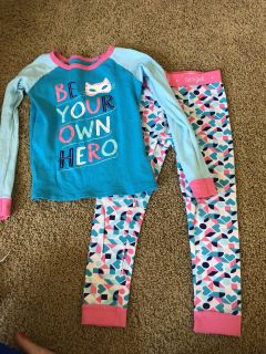 Cat and Jack size 6 pajamas. No stains but have been worn. $3. For more like a 5t.