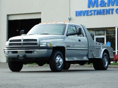 2001 Dodge Ram 3500 DUALLY 4X4 FLAT BED / 5.9 CUMMINS DIESEL / MANUAL