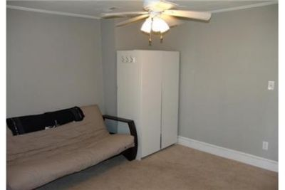 $2,250/mo, 3 bedrooms, House - ready to move in. Washer/Dryer Hookups!