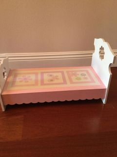 Doll bed for 18 dolls