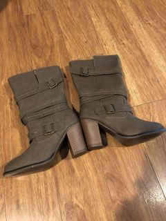 Taupe Boots Size 6