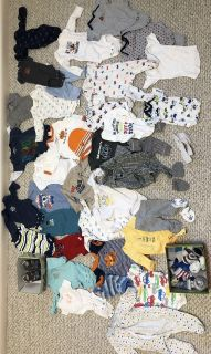 Lot of baby clothes (new born to 12 months)