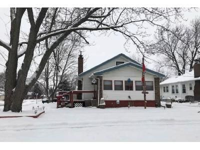 2 Bed 1 Bath Foreclosure Property in Loves Park, IL 61111 - Illinois St