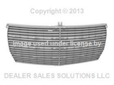 Find New Genuine Mercedes W123 Radiator Grille Screen front center oem + Warranty motorcycle in Lake Mary, Florida, US, for US $96.39