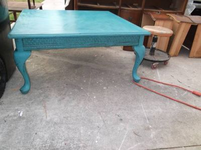 Shabby Coffee table .. turquoise