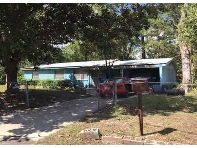 3 Bed 1 Bath Foreclosure Property in Jacksonville, FL 32208 - Tallyho Crt
