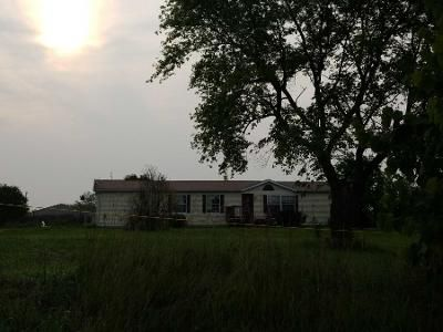 4 Bed 2 Bath Preforeclosure Property in Rayville, MO 64084 - Washington Ln