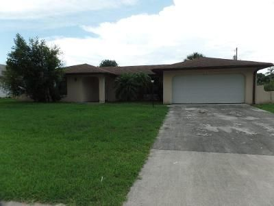 3 Bed 2 Bath Foreclosure Property in Port Saint Lucie, FL 34983 - SE Thornhill Dr