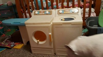 Washer and dryer play