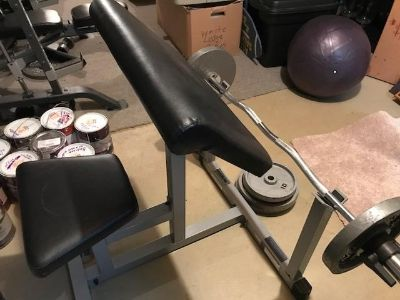 Preacher curl bench and bar