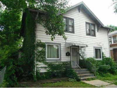 4 Bed 1.5 Bath Foreclosure Property in Rockford, IL 61103 - N Winnebago St