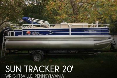 2016 Sun Tracker Fishin Barge - 20 DLX