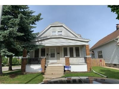 4 Bed 2 Bath Preforeclosure Property in Milwaukee, WI 53215 - S 30th St