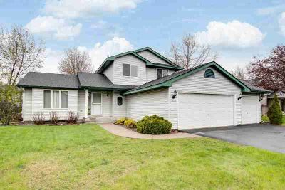 1074 Bonnieview Circle WOODBURY Four BR, Lovely modified 2 story