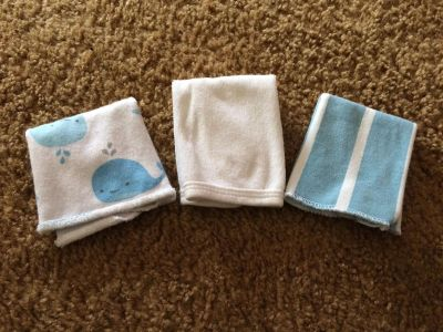 Set of 3 soft baby wash cloths all eeuc no stains no wholes
