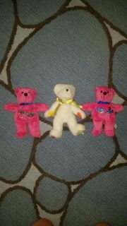 Stuffed bears. Only sat on a shelf. Brought back as sovereigns from California and New York. Very clean.