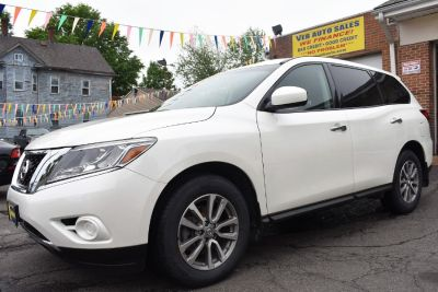 2015 Nissan Pathfinder 4WD 4dr S (Pearl White)