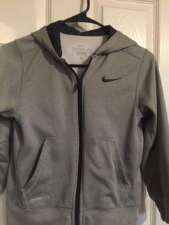 Therma Fit Nike Boys Sweater Size S