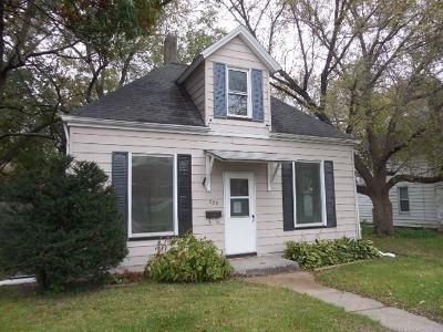2 Bed 1 Bath Foreclosure Property in Davenport, IA 52802 - N Howell St