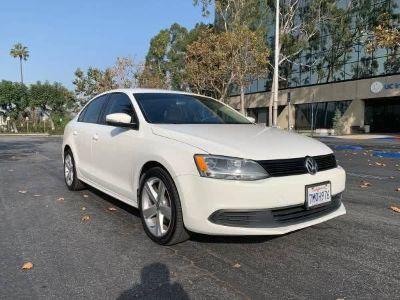 2012 Volkswagen Jetta SE (White)