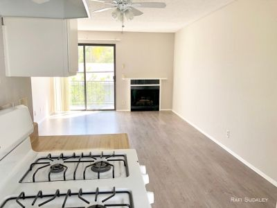 2 bedroom in Van Nuys