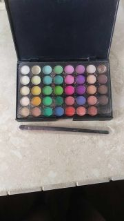 40count eye shadow brand new never used