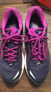 Brooks Ravena 8 running shoes - very comfortable! Only wore a few times - women s size 11 wide
